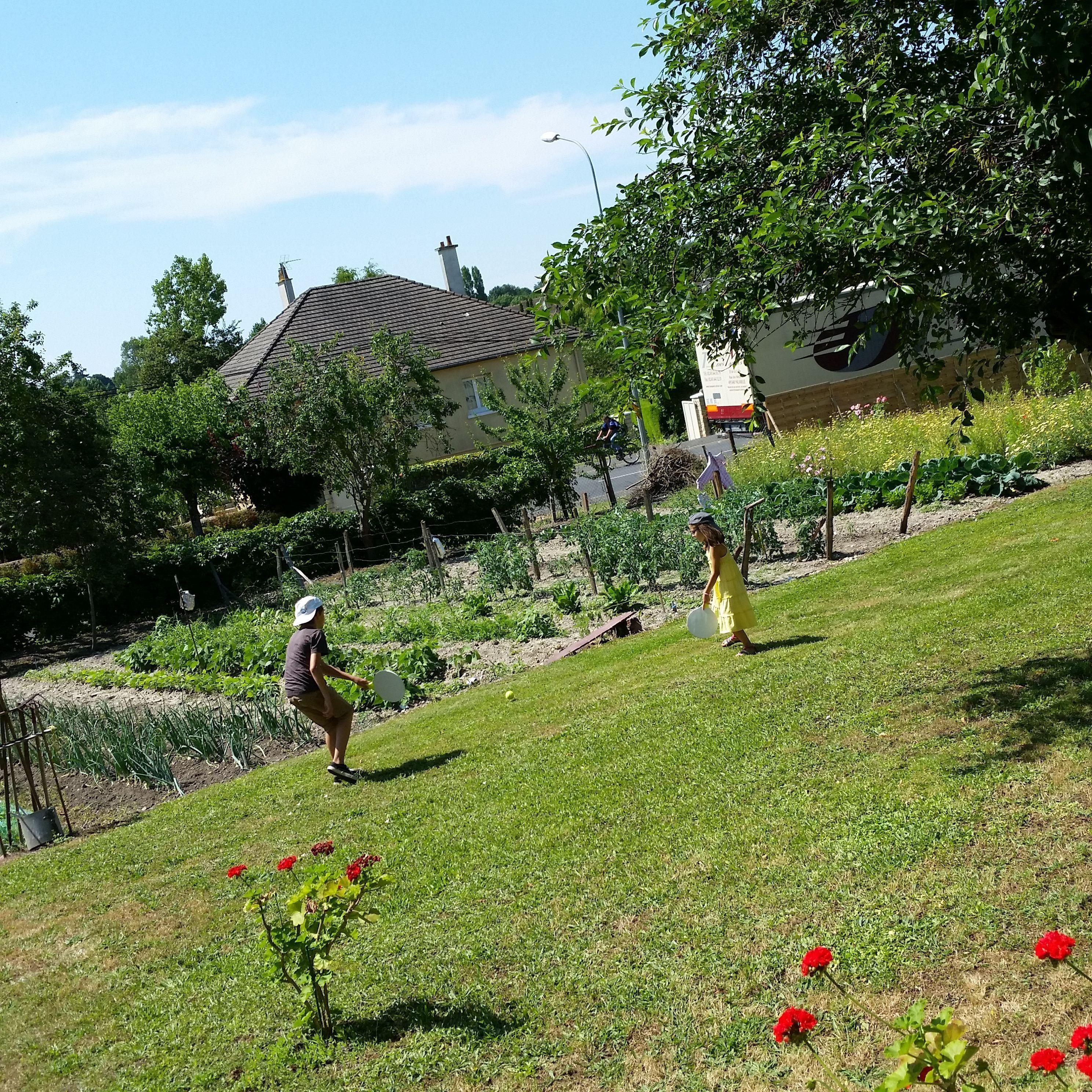 Une mamie comblee page 19 - Mamie baise dans le jardin ...